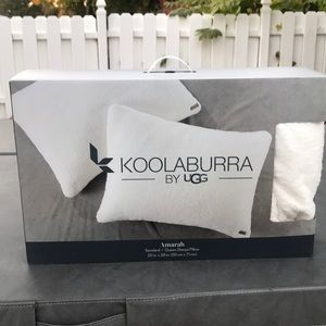 Koolaburra ugg pillow new in box